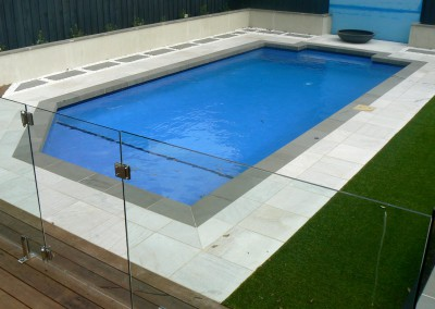 POOL COPING BLUESTONE DROP FACE WITH WHITE GRANITE POOL PAVERS