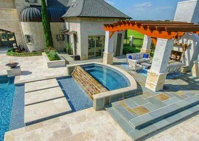 ivory-travertine-non-slip-pool-tiles-and-coping
