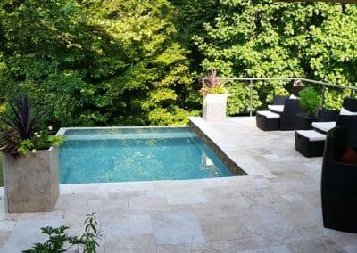 ivory-cross-cut-travertine-outdoor-tiles