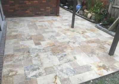 Antique Travertine Unfilled and Tumbled French Pattern