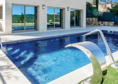 Capri White Pool Limestone